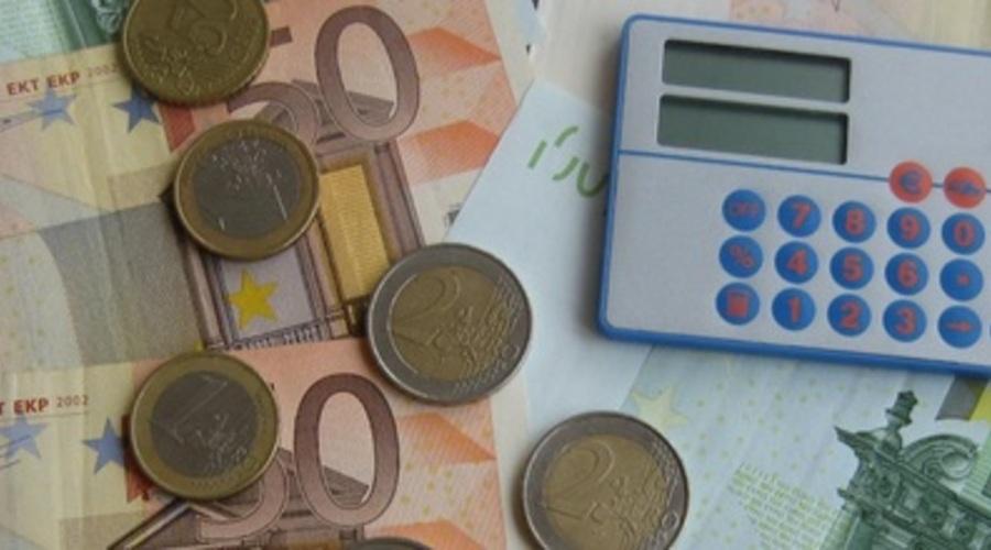 Dinero Y Una Calculadora Def