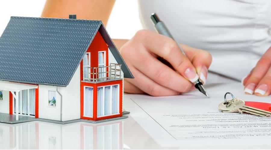 Consumidora Firma Hipoteca