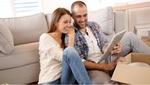 Pareja Joven Busca Hipoteca