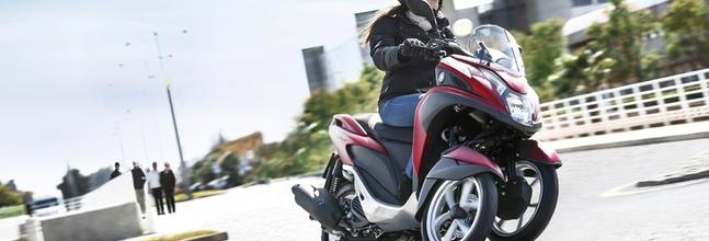 2015 Yamaha Tricity Eu Anodized Red Action 008