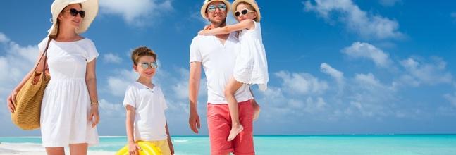 Familia De Vacaciones Small