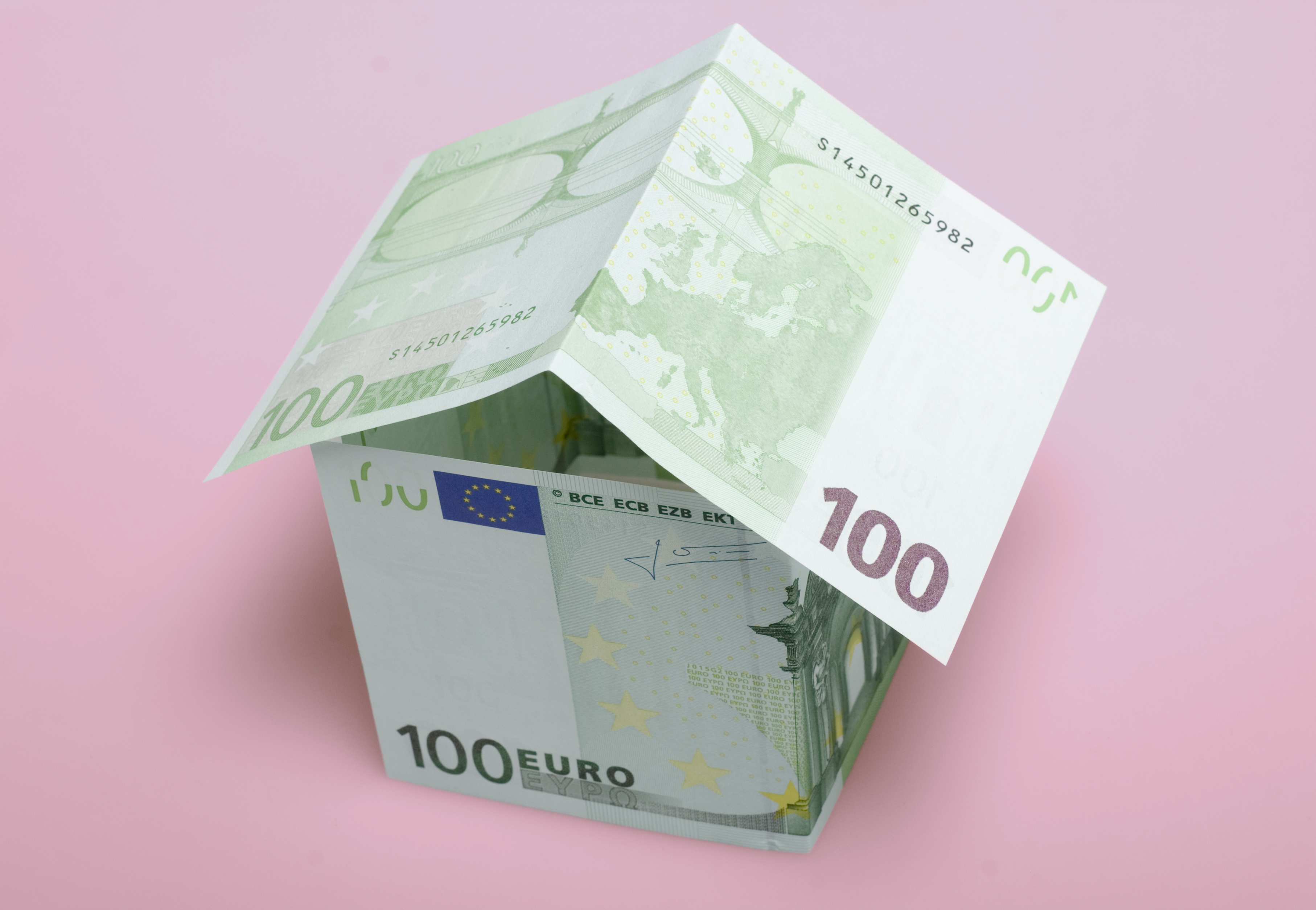 Aspectos que bajan el precio del seguro de hogar como alarmas o rejas