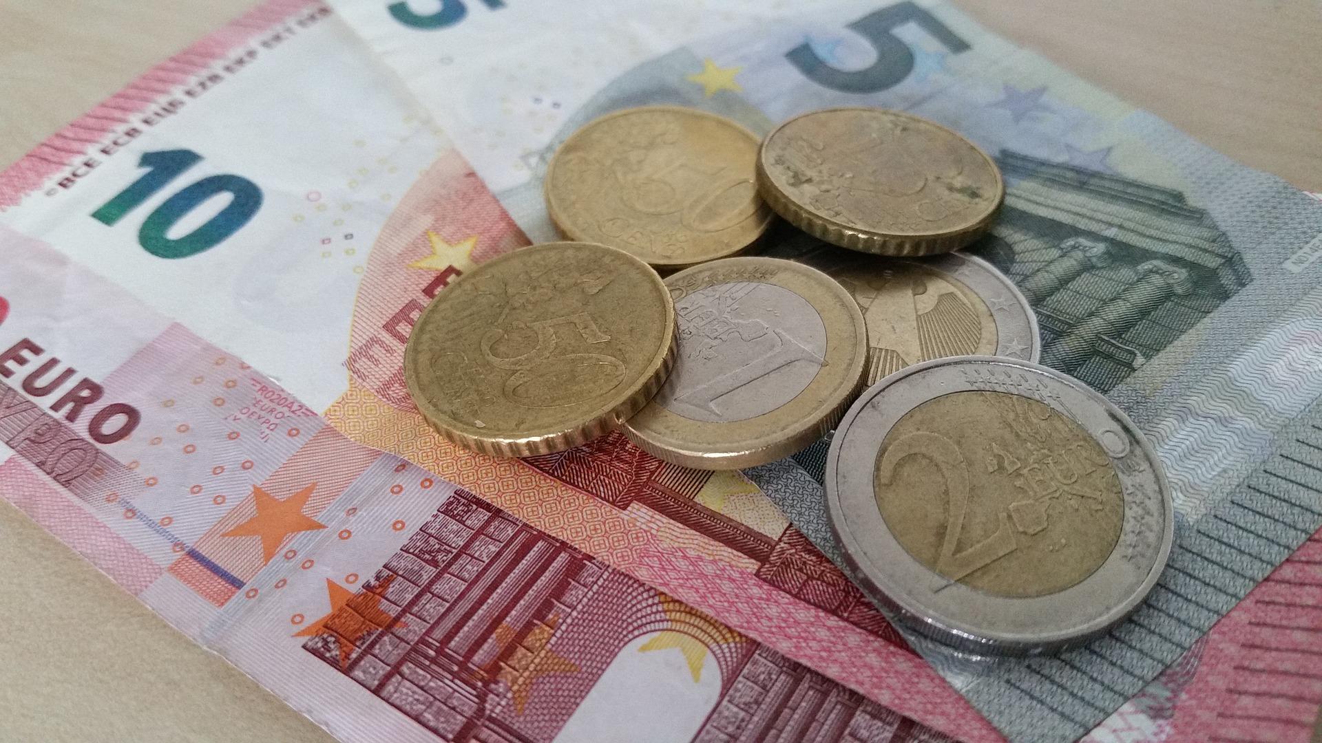 A la hora de solicitar un préstamos entre particulares hay que tener en cuenta diferentes aspectos