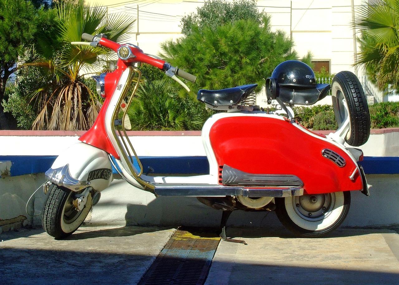Vespa comprada con un préstamos moto