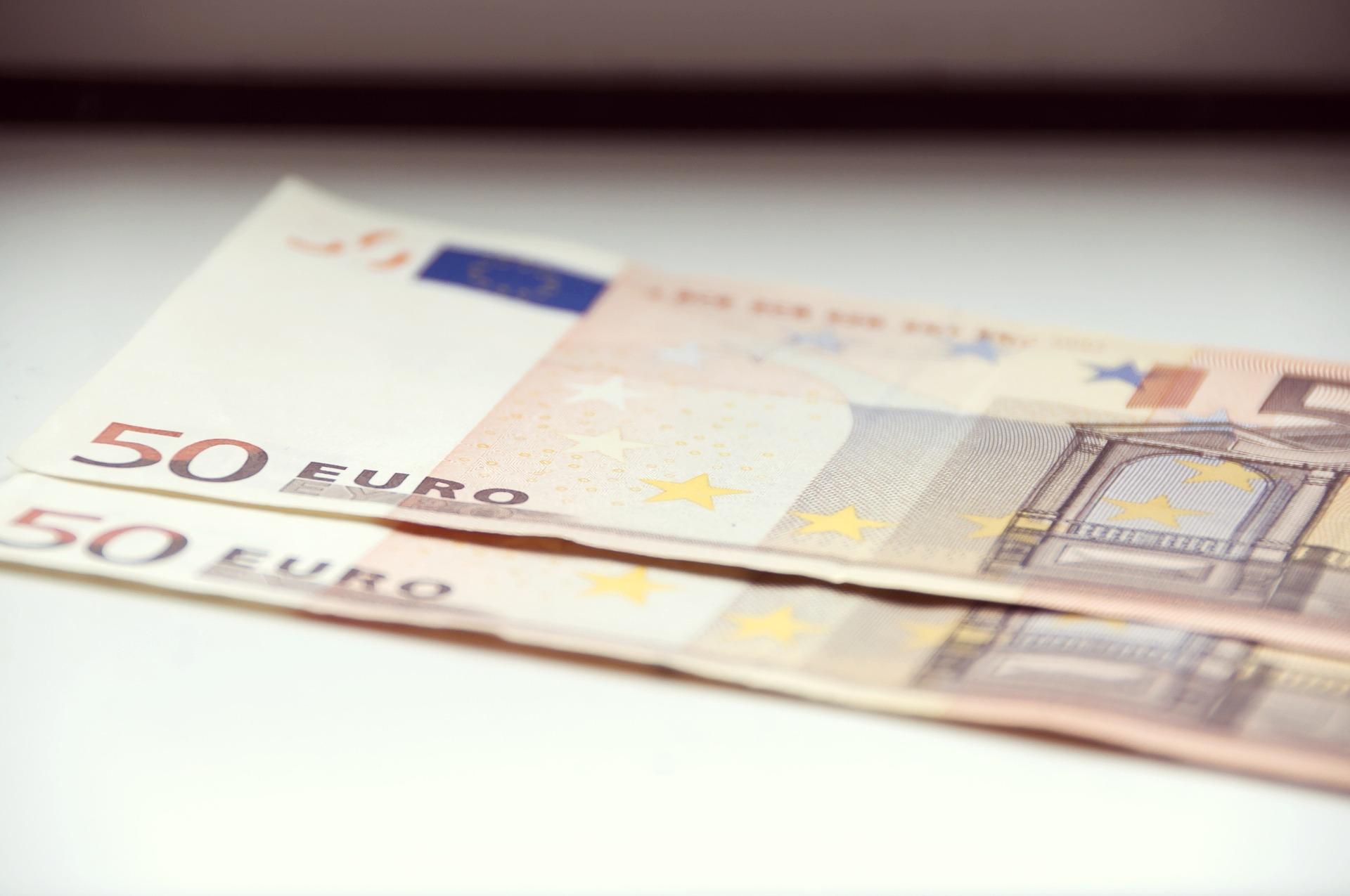 Solicitar un microcrédito es muy sencillo, se puede hacer desde la web.