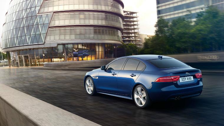 coches seguros jaguar XE