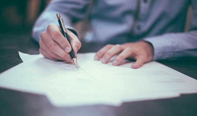firma de contrato de seguro de coche